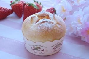 いちごクリームパン写真